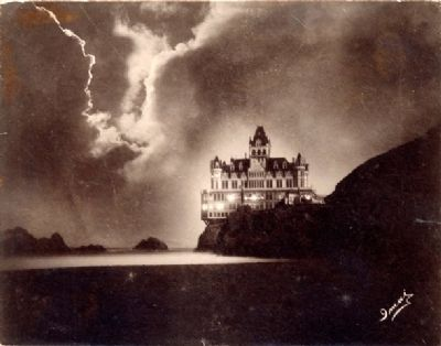 The 1900 Cliff House Which was Destroyed by Fire image. Click for full size.