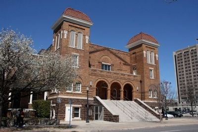 Sixteenth Street Baptist Church image. Click for full size.