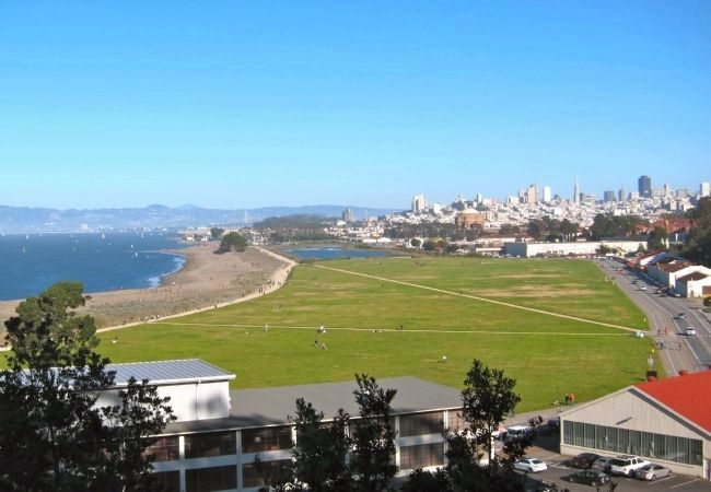 Looking East Across Crissy Field image. Click for full size.