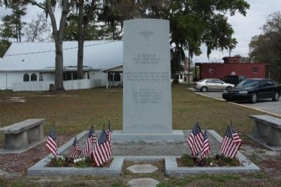 High Springs, Florida, American Legion Veterans Memorial, nearby image. Click for full size.
