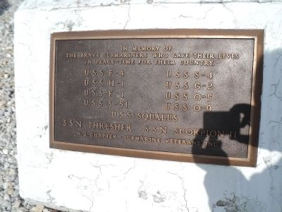Submariners Memorial Marker image. Click for full size.