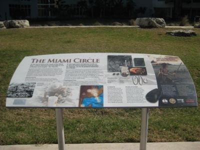 The Miami Circle Marker image. Click for full size.