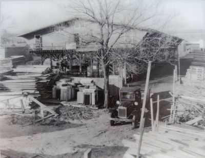 Hechinger's Lumber Yard image. Click for full size.