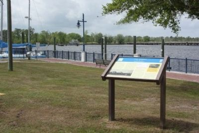 USS <i>Picket</i> Marker along the Pamlico River Photo, Click for full size