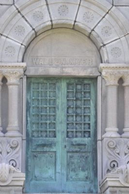 Walden/Myer Mausoleum Entrance image. Click for full size.