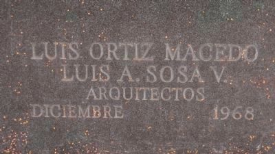 Juarez Memorial: inscription, lower right corner, west pedestal: image. Click for full size.