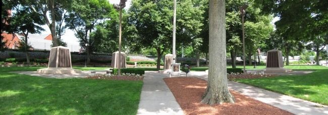 Veterans Memorial Common image. Click for full size.