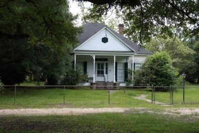 Older Home In Stockton, Alabama image. Click for full size.