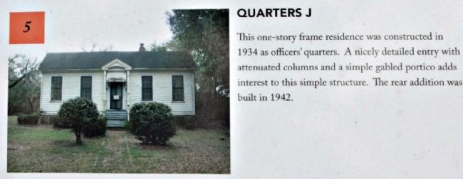Charleston Naval Yard Officers' Quarters Historic District image. Click for full size.