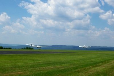 Harris Hill Glider Field image. Click for full size.