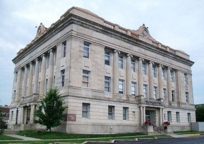 Livingston County Courthouse image. Click for full size.