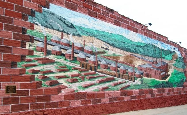 Shale Hill Brick & Tile Plant Mural and Marker image. Click for full size.