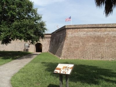 Marker at Fort Moultrie image. Click for full size.