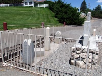 Headstones behind the Marker image. Click for full size.