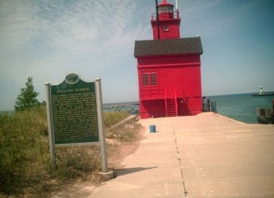 Holland Harbor / Holland Harbor Lighthouse Marker image. Click for full size.