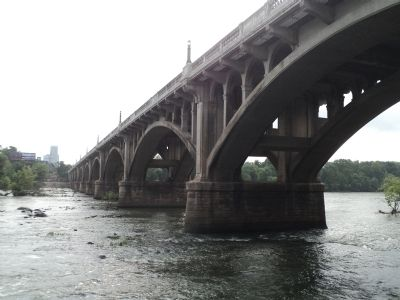 Gervais Street Bridge image. Click for full size.