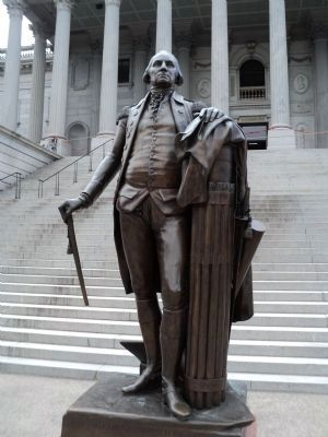 George Washington Statue image. Click for full size.