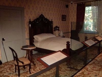 Lincoln Bedroom in the Wills House image. Click for full size.