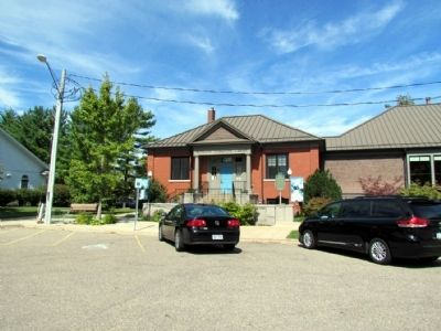 Richland Community Library image. Click for full size.