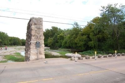 The Round Rock Marker (facing east) image. Click for full size.