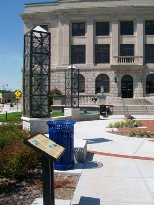 Racine City Hall and Marker image. Click for full size.