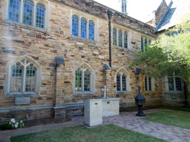 First United Methodist Church Courtyard image. Click for full size.