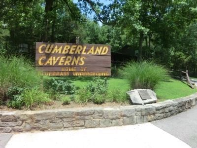 Cumberland Caverns Sign image. Click for full size.