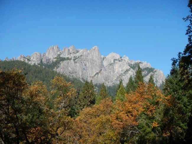 Castle Crags image. Click for full size.