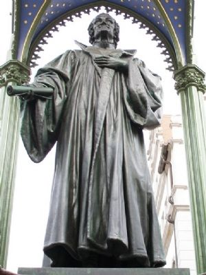 Philipp Melanchthon Statue image. Click for full size.