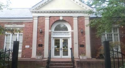 The Alexandria Public Library - Kate Waller Barrett Branch image. Click for full size.