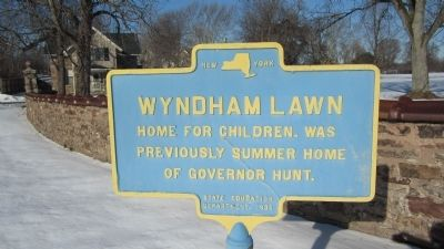 Wyndham Lawn Marker image. Click for full size.