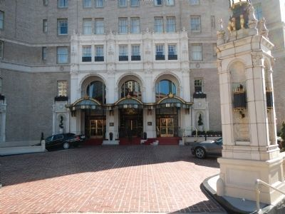 Entrance to the Mark Hopkins Hotel image. Click for full size.