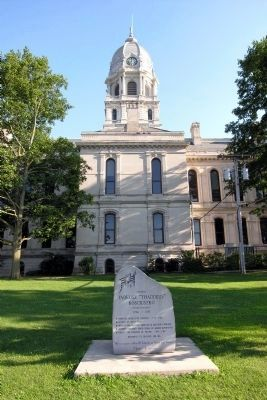 Kosciusko County Courthouse image. Click for full size.