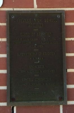 Plaque on school building image. Click for full size.