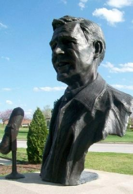 Bust of Jack Buck image. Click for full size.