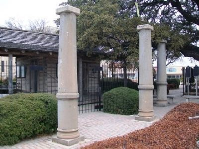 1890 Courthouse Columns in Bicentennial Park image. Click for full size.
