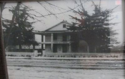 Tehachapi Hospital image. Click for full size.