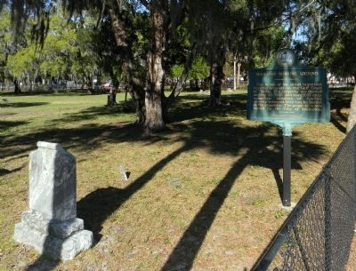 Wide view of the Manatee Burying Ground Marker image. Click for full size.