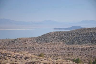 View of Mono Lake from Vista Point image. Click for full size.