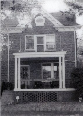 Colonial Revival (Mesrobian) image. Click for full size.