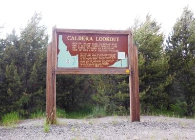 Caldera Lookout Marker (<i>wide view</i>) image. Click for full size.