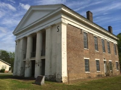 Old Marengo County Courthouse image. Click for full size.