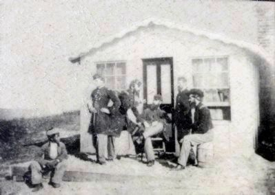 Officers' Hut image. Click for full size.