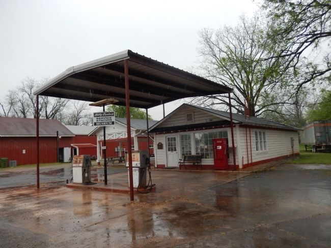 Billy Carter Service Station image. Click for full size.