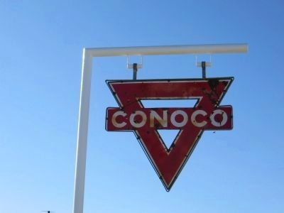 Conoco Sign at Dallas Cash Grocery image. Click for full size.