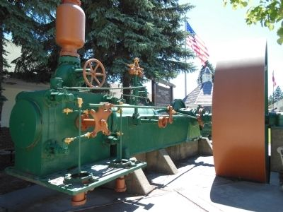 Corliss Steam Engine image. Click for full size.