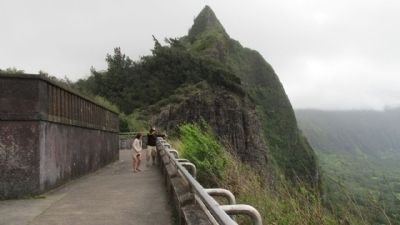 Pali Road – From Trail to Highway Marker image. Click for full size.