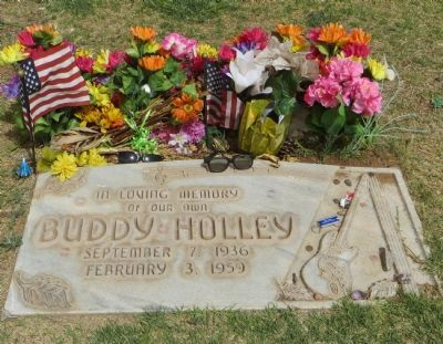 Buddy Holley Gravesite image. Click for full size.