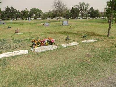 Buddy Holly Gravesite image. Click for full size.