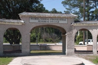Florida Memorial University Grounds image. Click for full size.
